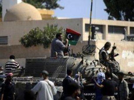 Военные вблизи Триполи