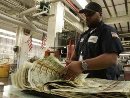 ФРС рассказал сколько напечатал долларов для спасения банков