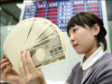 С укреплением иены продолжают бороться
