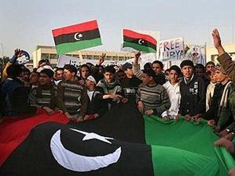 На сторону повстанців продовжують переходити люди Каддафі