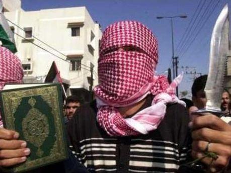 Радикалы из Египта требуют запретить бикини и алкоголь
