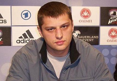 Сергій Ляхович бився сім раундів із переламаним носом