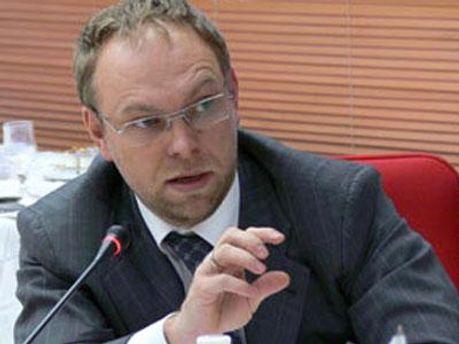 Власенко назвал Азарова лжецом