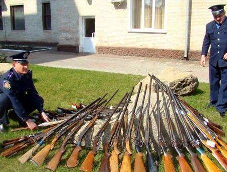 Милиция просит добровольно сдать оружие