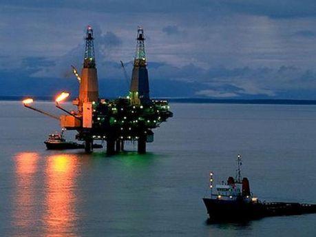 Тропічний шторм скоротив видобуток нафти і газу