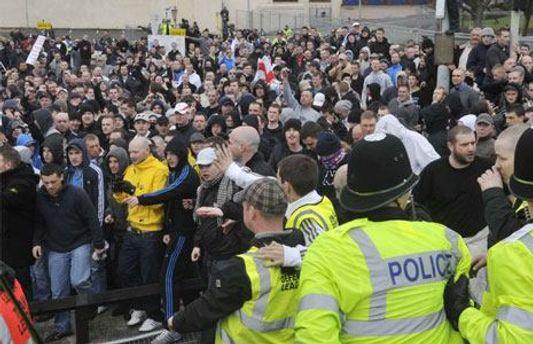 В Лондоне арестовали 60 человек