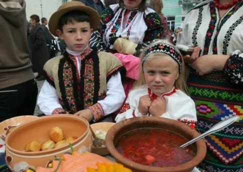 У Борщові фестиваль борщу