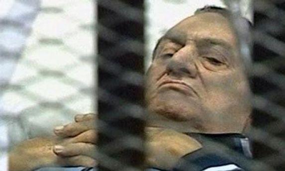 Хосни Мубарак за решеткой