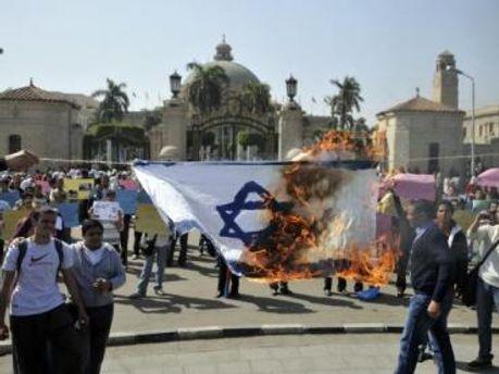У Єгипті не вщухають антиізраїльські мітинги