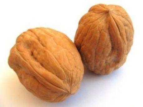 Орехи предотвращают возникновение рака груди