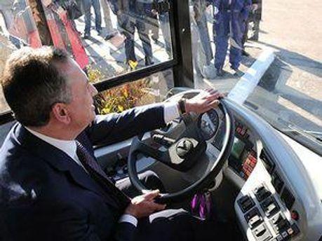 Колесніков за кермом автобуса