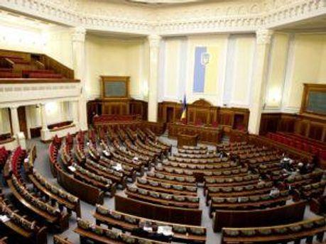 Депутати хочуть все встигнути до 15 години