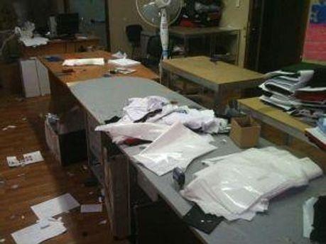 Працівники ОБОЗу зробили гармидер в офісі