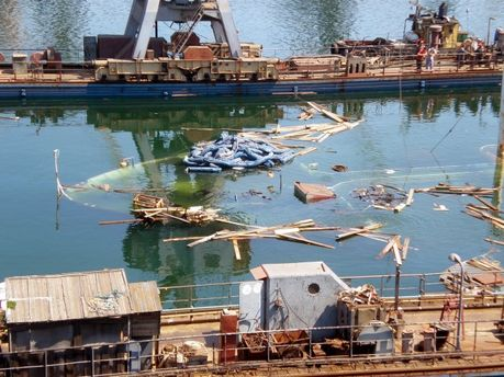 Инцидент с утечкой нефтепродуктов в Ильичевске уже второй