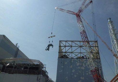 Над энергоблоком Фукусима-1 строят защитный купол