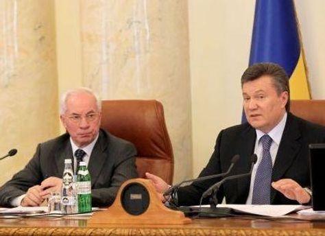Виктор Янукович и Николай Азаров поздравили с Днем украинского кино