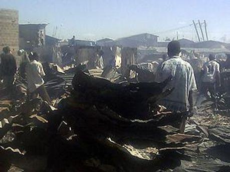 100 человек стали жертвами пожара
