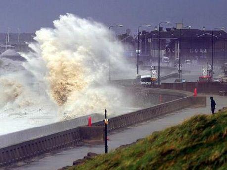 На Британских островах свирепствует ураган