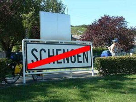 Греция может оказаться за пределами зоны Шенгена