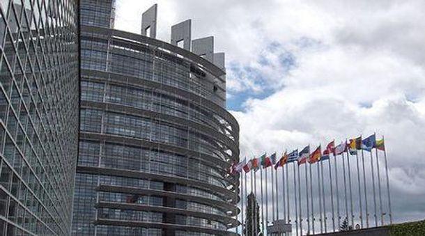 Европарламен перенес украинский вопрос на ноябрь