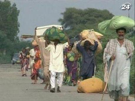 Спасатели не справляются с последствиями наводнения в Пакистане