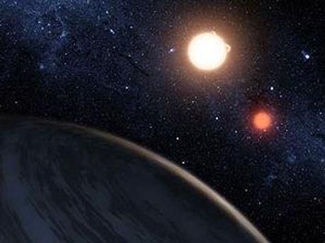 Астрономы впервые обнаружили планету с двумя солнцами