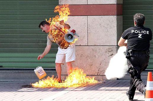 Полиция успела потушить огонь