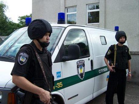 Працівники державної служби охорони не встигли піймати крадіїв
