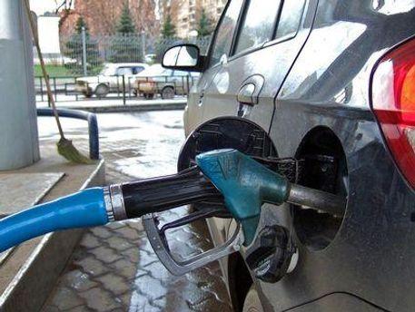 Україна споживатиме більше імпортного пального у 2012 році