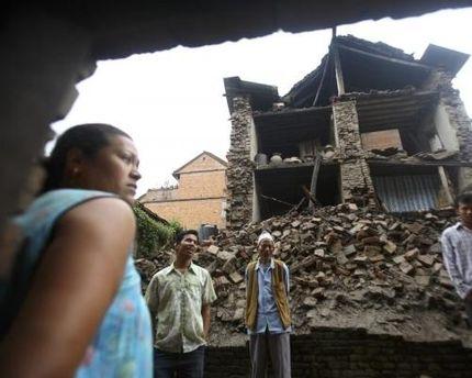 Землетрясение в Индии уже унесло жизни около 70 человек
