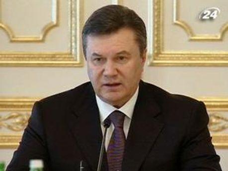 Янукович хочет поддержать Ливию