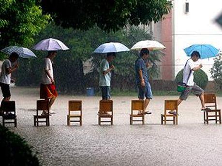 Сильные дожди в Китае не прекращаются с 16 сентября