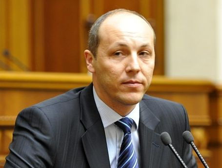 Депутат Андрей Парубий заступился за студентку