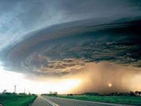 Ураган движется со скоростью 15 километров в час