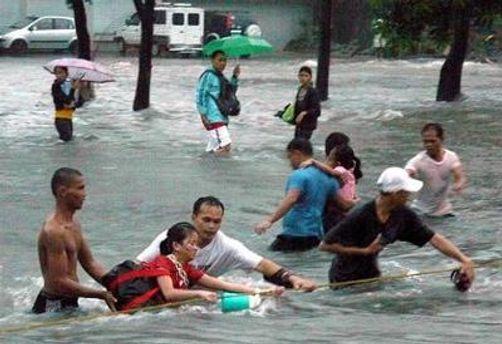 Тайфун парализовал столицу Филиппин - Манилу