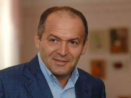 Виктор Пинчук счастливый отец четырех детей