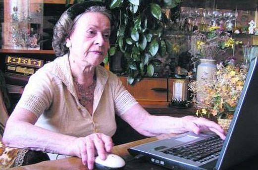 Старшие люди стали активнее использовать интернет