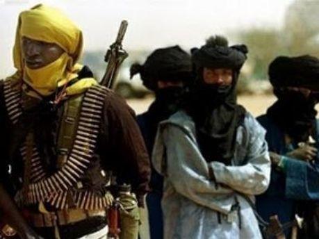 Новая ливийская власть заявляет, что Каддафи скрывается в племени туарегов