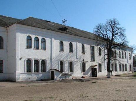На території Прилуцької гімназії виявили снаряди