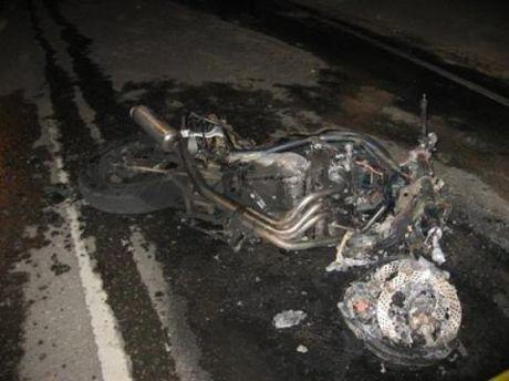 Мотоцикл згорів дощенту