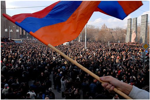 Вірменська опозиція вимагає позачергових виборів