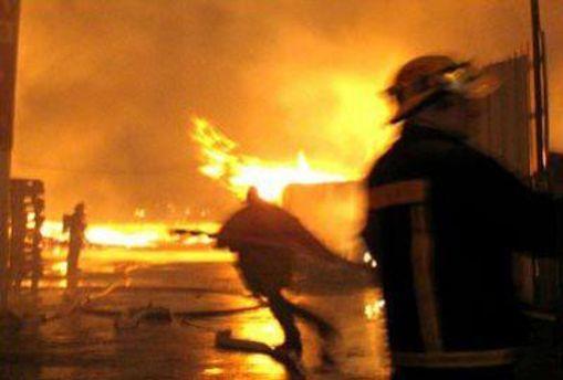 Пожарным удалось потушить пожар только утром