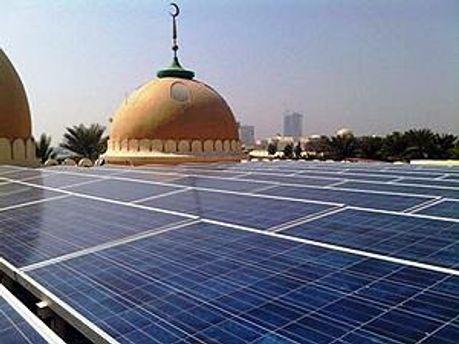 Солнечные батареи на крыше мечети