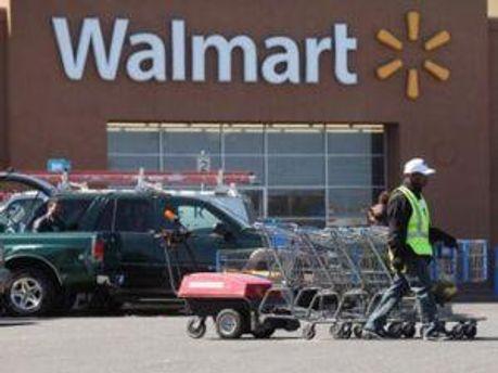 У супермаркеті думають, що жінка спеціально ходить в магазин, аби до чогось причепитись