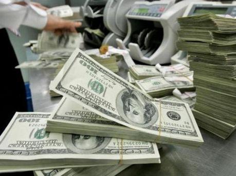 У світі не вистачає грошей