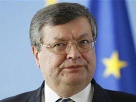Міністр Костянтин Грищенко каже змінювати судову систему
