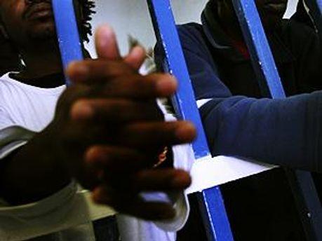Уже 12000 заключенных голодают