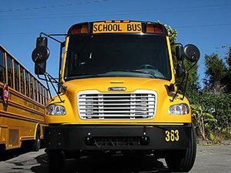 Відкликали 1800 автобусів