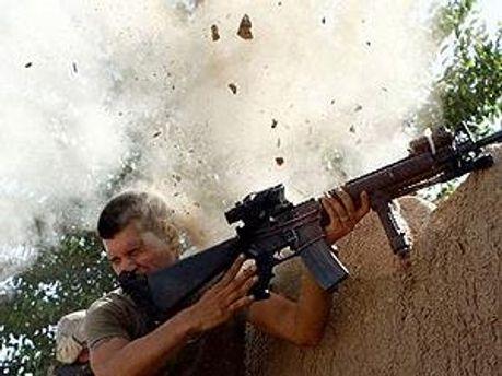 Американский солдат во время боевых действий в Афганистане
