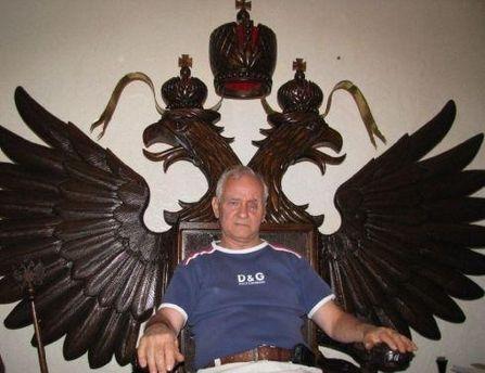 Николай Христич работал над троном 3 года